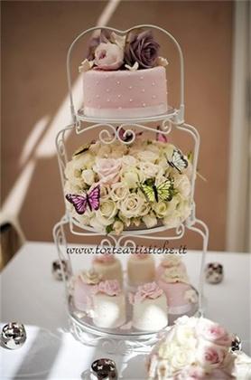 Torta nuziale con cupcakes