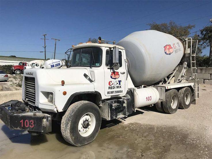 1998 Mack DM690S Mixer / Ready Mix / Concrete Truck