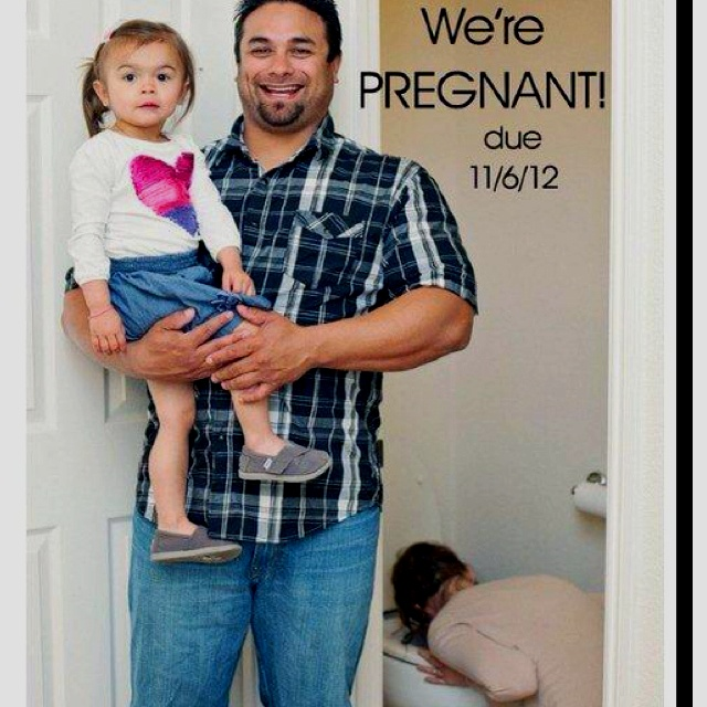 Best pregnancy announcement photo ever: Funny Pregnancy Announcements, Stuff, Baby Announcements, Announcements Ideas, Funnies, So Funny, Hilarious, Photography, Kid