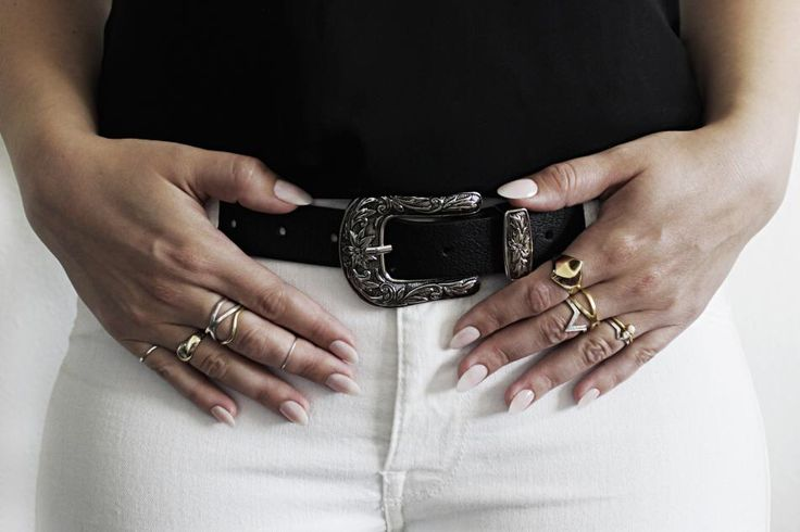 #hvisk #hviskstylist #jewelry #nudenails