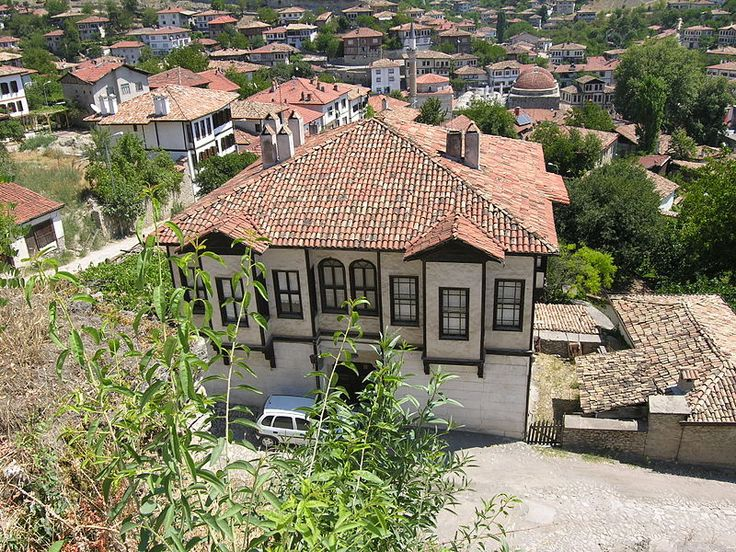 The traditional houses of Safranbolu, a UNESCO World Heritage Site since 1994, are among the renowned examples of Ottoman architecture.