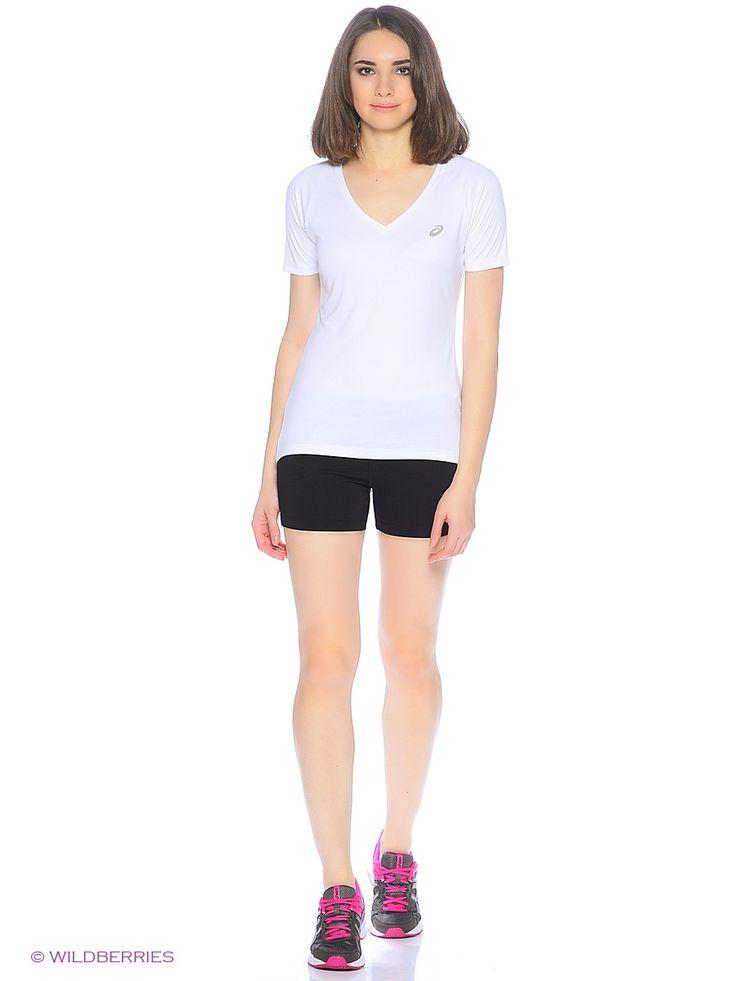 В этих симпатичных женских шортах ваша тренировка пройдет в свежести и прохладе. Бегаете ли вы в парке или по асфальту, эти шорты подарят вам свободу движений и гибкость. Мягкая эластичная трикотажная ткань прекрасно держит форму и создает облегающий удобный крой. Шорты также отличаются плоскими швами, контрастными завязками на поясе и небольшими стильными акцентами, такими как светоотражающий логотип и принт сзади. Ценные вещи можно носить с собой в удобном закрытом кармане. Комфорт…
