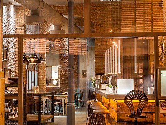 Restaurante LLAMBER: Una taberna gastronómica en el Born de Barcelona