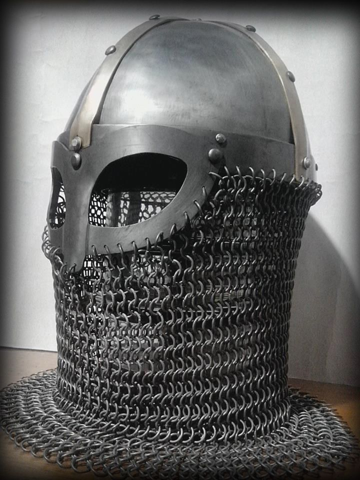 Spangenhelm. Steel 2mm and brass decoration. By Oficina Ouroboros