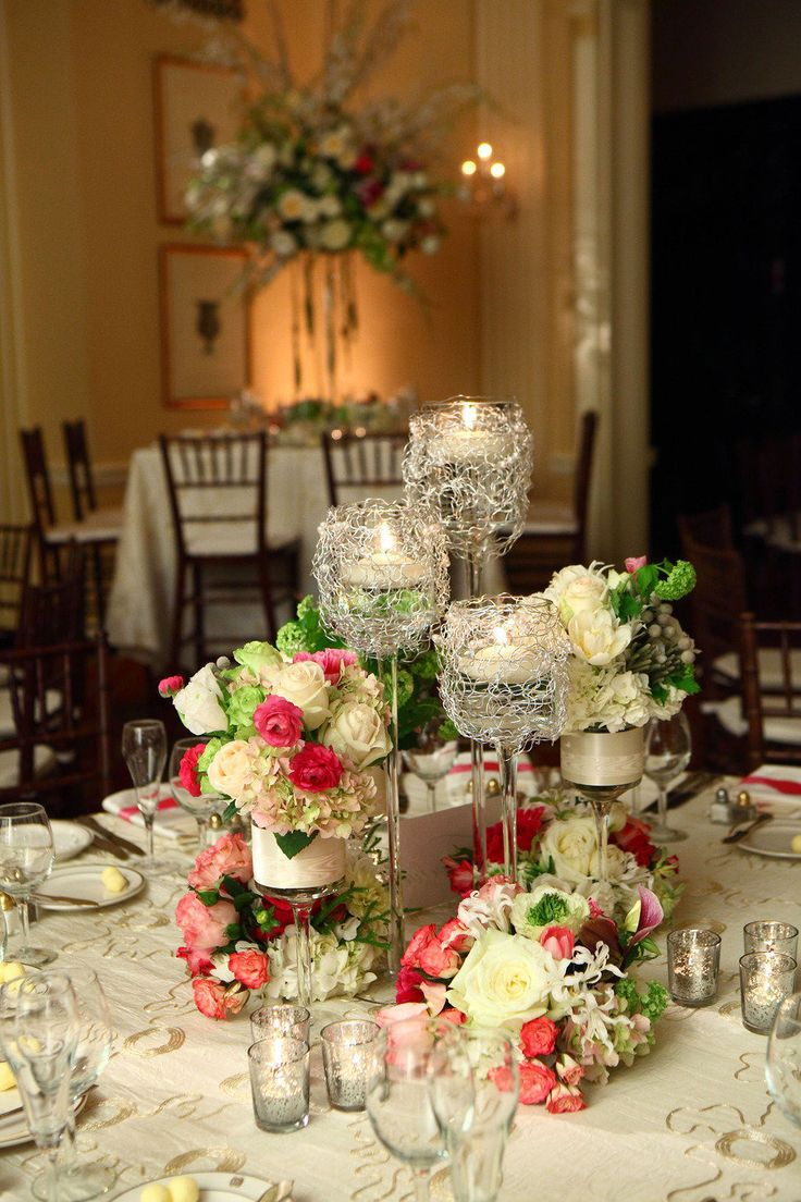 Courtesy of Style Me Pretty, Photography:David Mielcarek, Floral Design:Romance of Flowers
