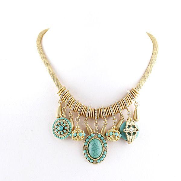Hermoso collar dorado con detalles color turquesa. $9.990 + gastos de envío. Envios a todo Chile vía Chilexpress.