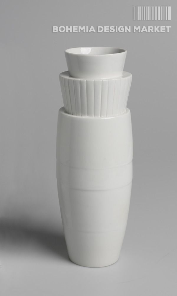 """Handmade porcelain vase from the collection """"Liter"""" (reminds opening bud) Height approx 25 cm volume 1L The vase is inspired by children's Cube kit is made up of six rearrangement of parts. In the upper part it is ornamented fluted relief. The vase is made of quality porcelain, fired at 1350 ° C, glazed."""