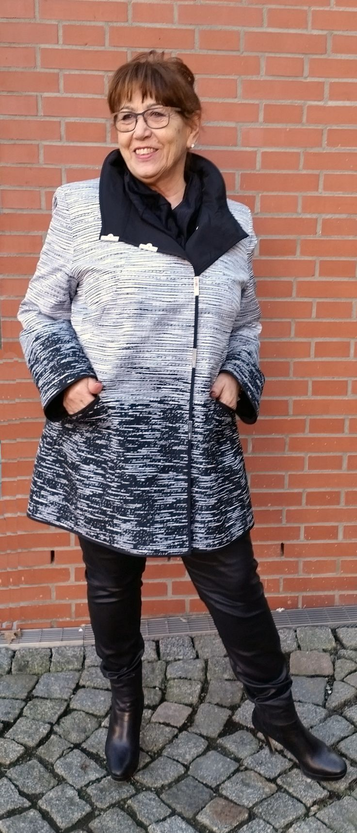 Baronia Jacke schwarz /weiss bis Größe 4X