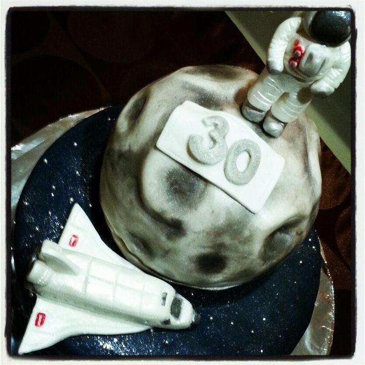 Space#cake#astronaut#galaxy#moon#chocolate#vanilla#birthday#Czech#miss.enemy