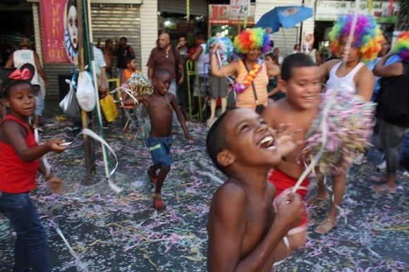 Carnaval in Rio de Janeiro: Costume shopping and impromptu samba dancing   Gadling.com