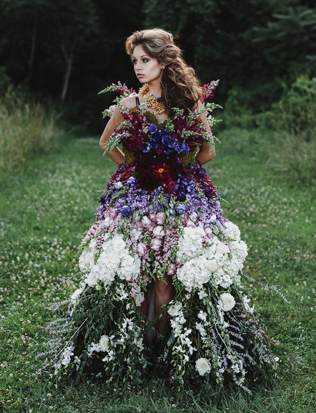 a wearable wedding dress of flowers. pretty amazing, right?!