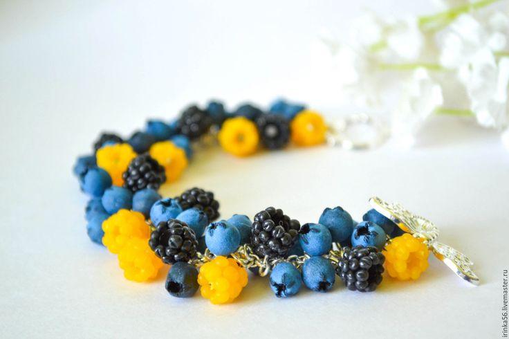 """Купить Браслет """"Ягодная поляна"""" - голубой, желтый, черный, морошка, ежевика, черника, браслет ягоды"""