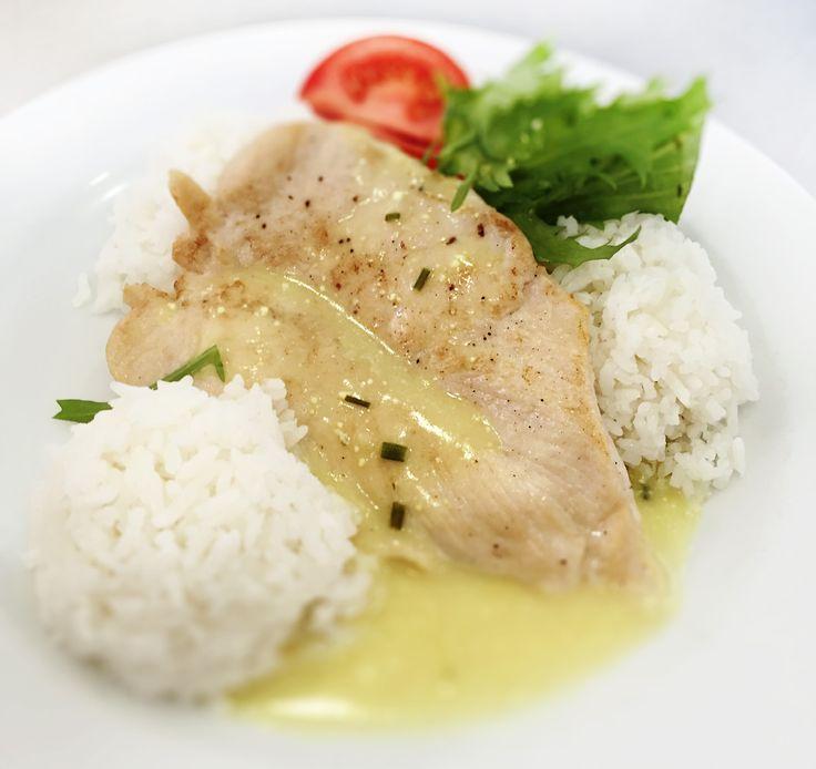 Denné menu Vranov | Kurací plátok s pažítkou na Roqueforte, dusená ryža - reštaurácia Hotel Patriot*** #hotel #restauracia #dennemenu