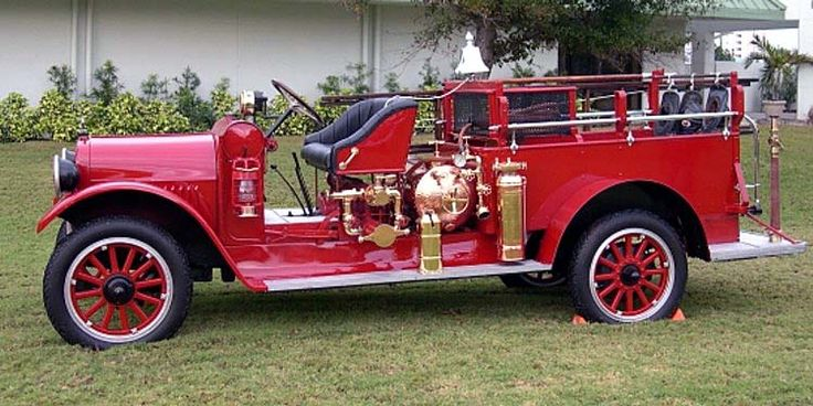 Old fire truck, fully restored