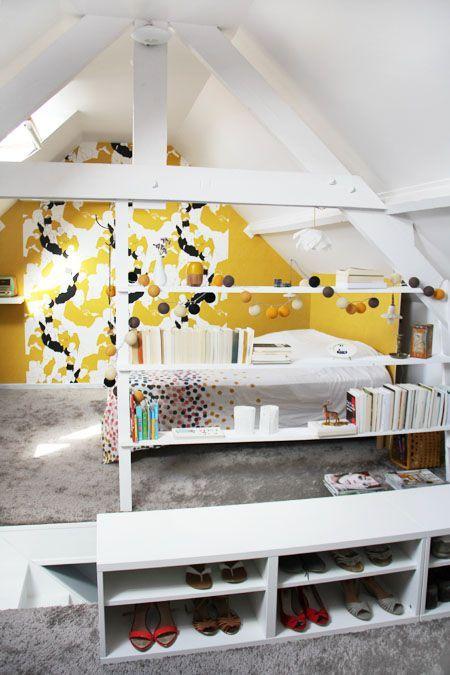 une tag re garde corps bricol e maison t te d 39 ange dans la chambre rangement chaussures et. Black Bedroom Furniture Sets. Home Design Ideas