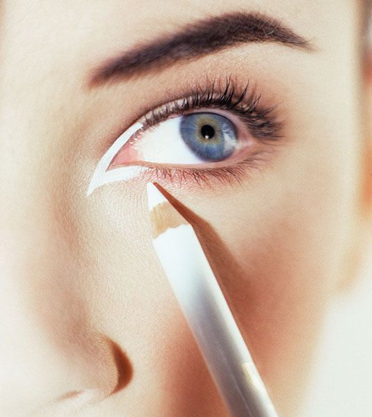 way to wear white eyeliner: Focus on the inner corner of your eye to give the appearance of bigger more gorgeous eyes.