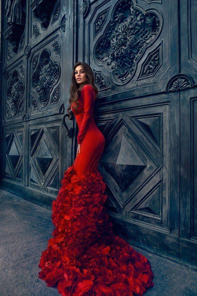 Red Wedding Photography: Luxury Women Red Dress