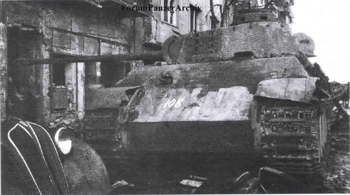 A destroyed german Panther tank in Budapest 1945. Its a Hybrid of early and late parts, probably put together in a german frontnear Workshop, showing an Ausf. G Chassis (no Driversvisor in the Frontglacis, new styled sidearmour) equipped with an early Ausf. D turret (early style cylindrical Commanderscuppola, Pistolports in the turretside)