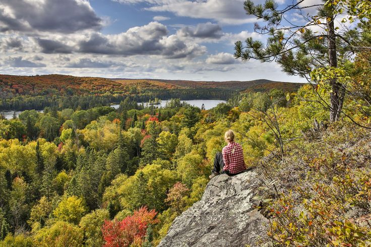 There are thousands of great spots to view fall colour in Ontario's cottage country - here are just 8 suggestions to help you plan your touring getaway.