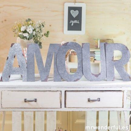 """Letras metálicas para colgar """"Amour"""""""