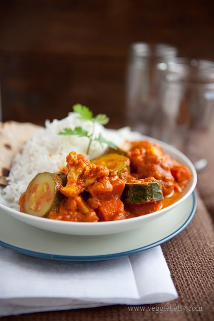 Easy Zucchini and Cauliflower Curry Recipe. Only 8 ingredients!  by Sala @ Veggie Belly