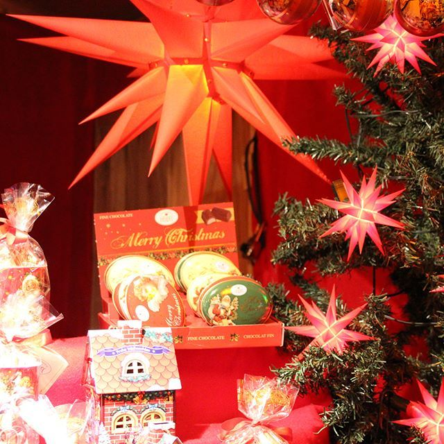 Chocolate and Herrnhut Stars at the Vancouver Christmas Market 2017