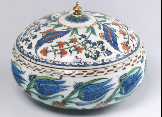 Lidded Bowl https://www.facebook.com/CiniFikirler/photos/a.648235128524974.1073741829.577003588981462/916021411746343/?type=1&theater