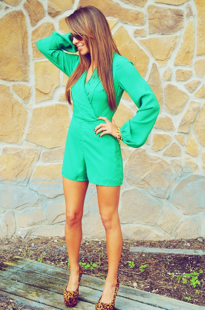 Love everything about this. Green. Romper. Heels. YES!