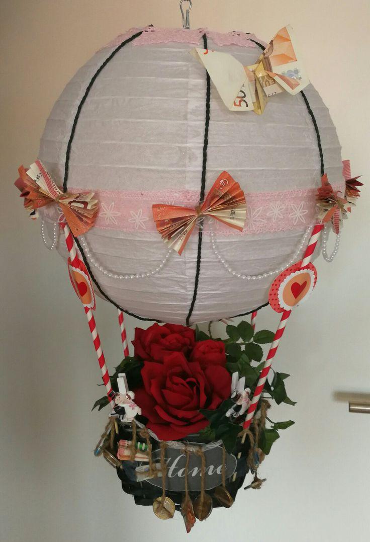 DIY Heißluftballon.  Geldgeschenk von Kollegen für  Brautpaar