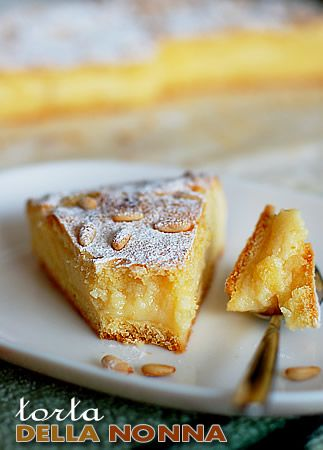Italian lemon-vanilla cake!  Note: Scroll down to find the English version of the recipe.