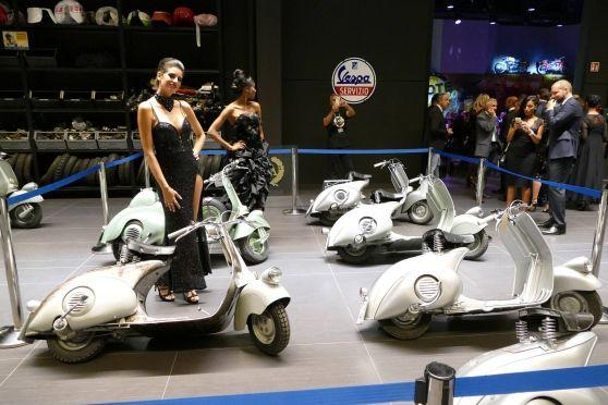 Oltre 270 invitati da tutto il mondo per il taglio del nastro della nuova attività di Stefano Aleotti, fondatore di Cellular Line, che in via Daniele Da Torricella ha allestito un megastore di auto e moto d'epoca