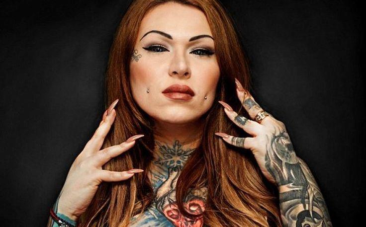 Тату на глазах http://artlabirint.ru/tatu-na-glazax/  32-летняя тату-мастер сделала тату наглазах, несмотря наугрозу слепоты!32-летняя тату-мастер Сара Найт изЛондона уже давно экспериментирует сосвоим телом. Она покрыла себя рисунками идаже сделала «сплит» языка, чтобы оннапоминал змеиный. Сара решила «забить» еще... {{AutoHashTags}}