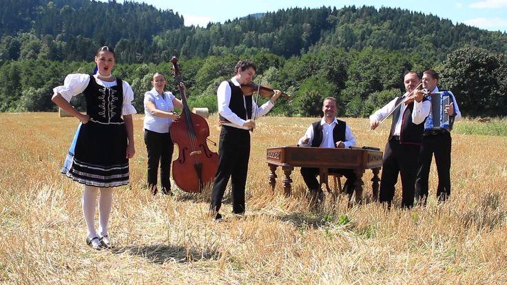 Ľudová hudba Slančíkovci - A ja taká čárna, A od Prešova