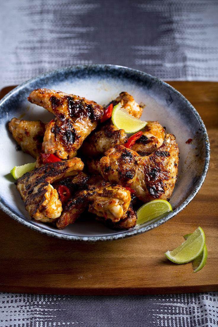 Een klassieker, via Afrika naar de Portugese keuken; 'pilipili' is Swahili voor peper. Kippenvleugels piripiri