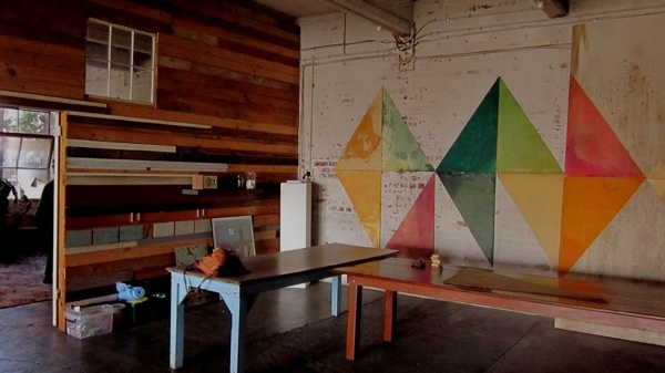 good wall artWall Art, Wall Installations, Wall Pattern, Art Studios, Triangles Wall, Work Spaces, Wall Painting, Painting Wall, House Colors