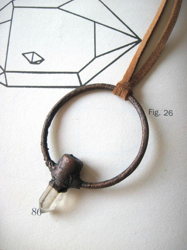 Ciondolo diamante di herkimer in rame ossidato - collana medievale wicca boho con punta di cristallo - quarzo grezzo gioielli elettroformati di Loonharija su Etsy