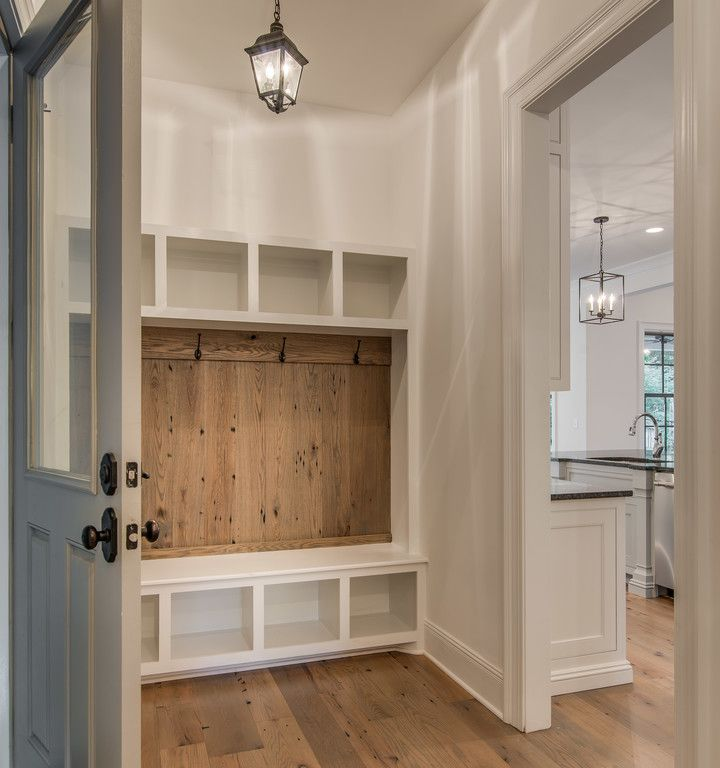 mudroom lockers. © 2015 VINTAGE SOUTH, LLC | (p) 615-483-8771 | (e) info@vintagesouthdevelopment.com