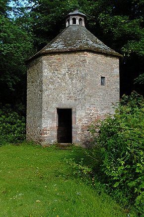 The Dovecote was built in the second half of the 17th Century to provide pigeon meat and pigeons' eggs. This one comfortably accommodated about 400 birds and contains the 'Potence' - a revolving ladder to reach the nesting boxes.