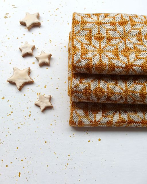 Cinnamon Stars pattern by Amy van de Laar