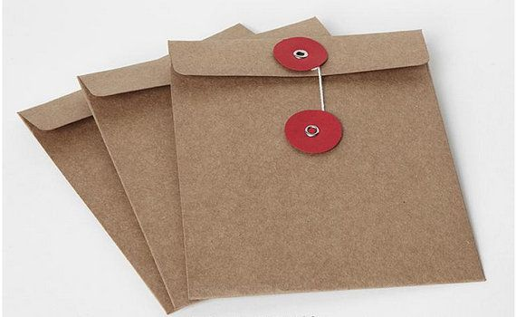 These kraft brown Button Closure CD sleeves are made of 100% recycled material, a beautiful AND eco-friendly choice over plastic. Plus, these protect