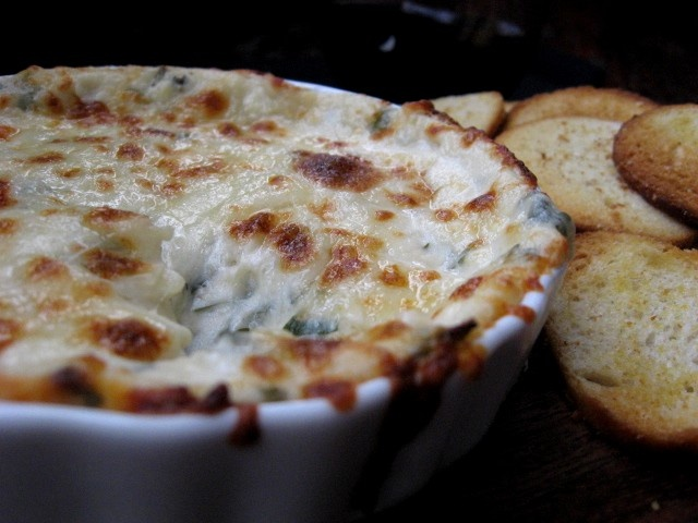 On My Plate: What a Dip! Creamy Garlic dip