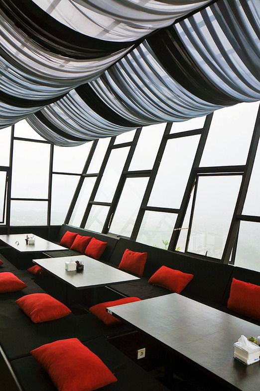 Dining in the sky at Takigawa Meat Bar in The Sky. Photo by Icha Rahmanti.