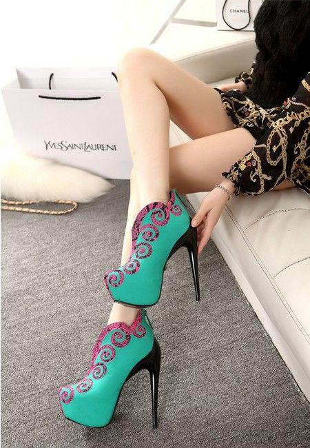 Бесплатная доставка Женский короткие обувь лифт короткие сапоги мартин сапоги низкие сапоги ультра тонкие каблуки осенью и зимой сапоги