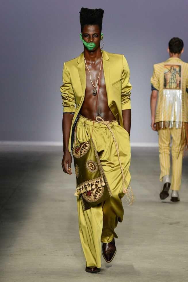 Joao Pimenta Runway Show Sao Paulo Fashion Week Modenschau Mannlich