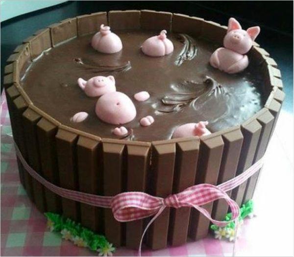 original kit kat #chocolate #cake Love this idea for kids #Birthday #party www.kidsdinge.com https://www.facebook.com/pages/kidsdingecom-Origineel-speelgoed-hebbedingen-voor-hippe-kids/160122710686387?sk=wall