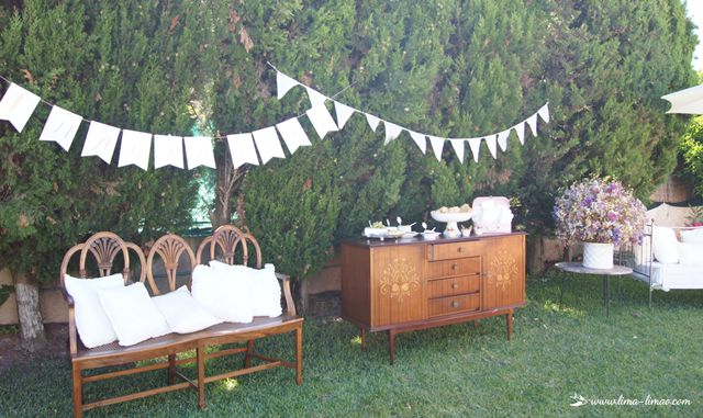 relax corner in garden for this little flowers themed party