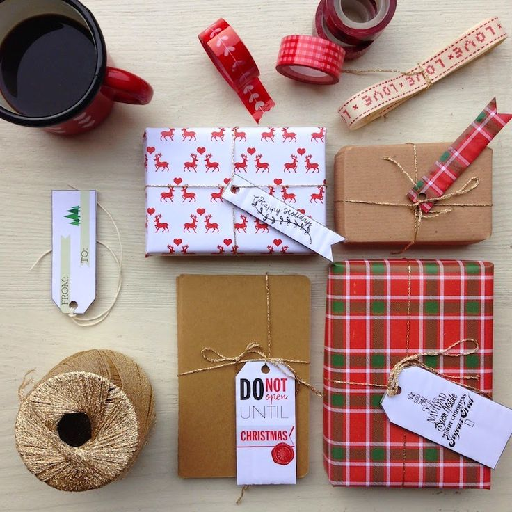 Christmas printable: gift wrap & tags