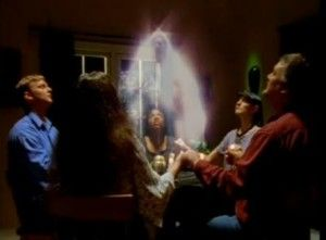 EL ESPIRISTISMO:La palabra espíritu viene del latín spiritus que significa soplo vital, respiro, exhalación, espíritu. Espiritismo sería la doctrina sobre el espíritu. Remotamente el espiritismo ya se habría dado desde el pecado de nuestros primeros padres. Para que este fenómeno suceda se requiere que existan los demonios o guías, los mediums y los asistentes.