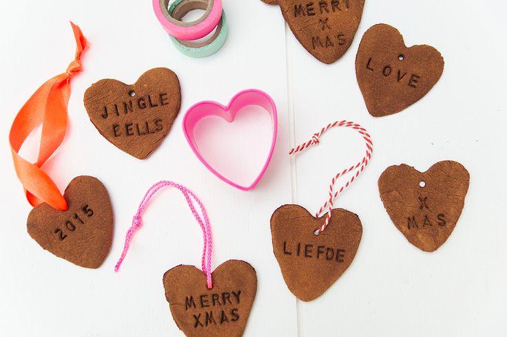 HEMA blog | DIY kaneel koekjes voor in de kerstboom voor heerlijk geurende kaneelhangers