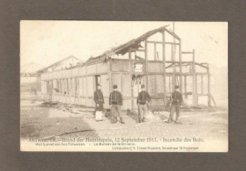 ANTWERP, BELGIË ~ 1911 HOUTSTAPELS brand, douane House Ruins, militairen